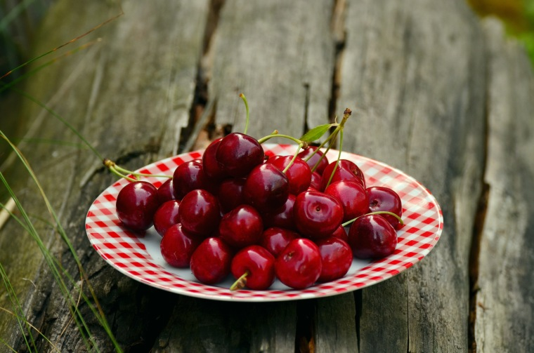 cherries-fruits-sweet-cherry-cherry-harvest-162804.jpeg
